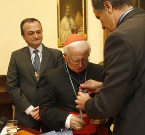 El Cardenal Antonio Cañizares ingresa en la Academia de Cultura Valenciana. Foto de Juan J. Monzo